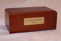 pet urn with name plate