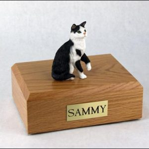 figurine-cat-tabby-1-1