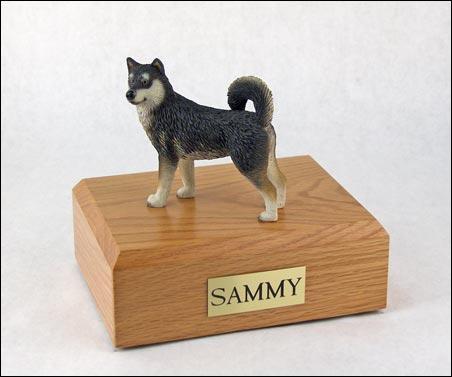 figurine-dog-alaskan-malamute-pose-1-1