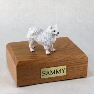 figurine-dog-american-eskimo-pose-1-1