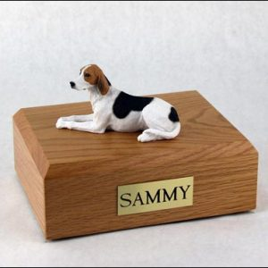 figurine-dog-american-foxhound-pose-1-1