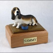 figurine-dog-bassett-hound-pose-2-170x170