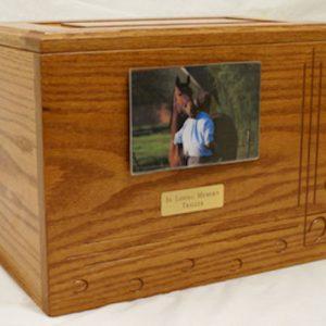 horse-urn-horseshoe-1