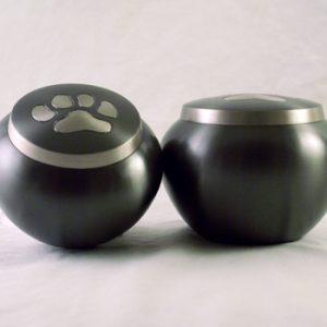 urn-metal-single-paw-print