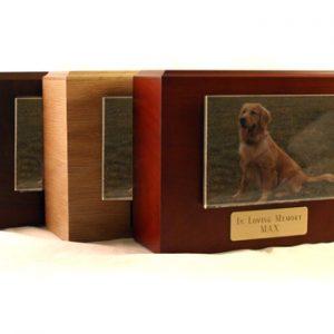 urn-wooden-photo